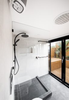 redesign bathroom and renovate cremorne