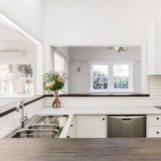 kitchen renonation in Alphington by MJ Harris Group