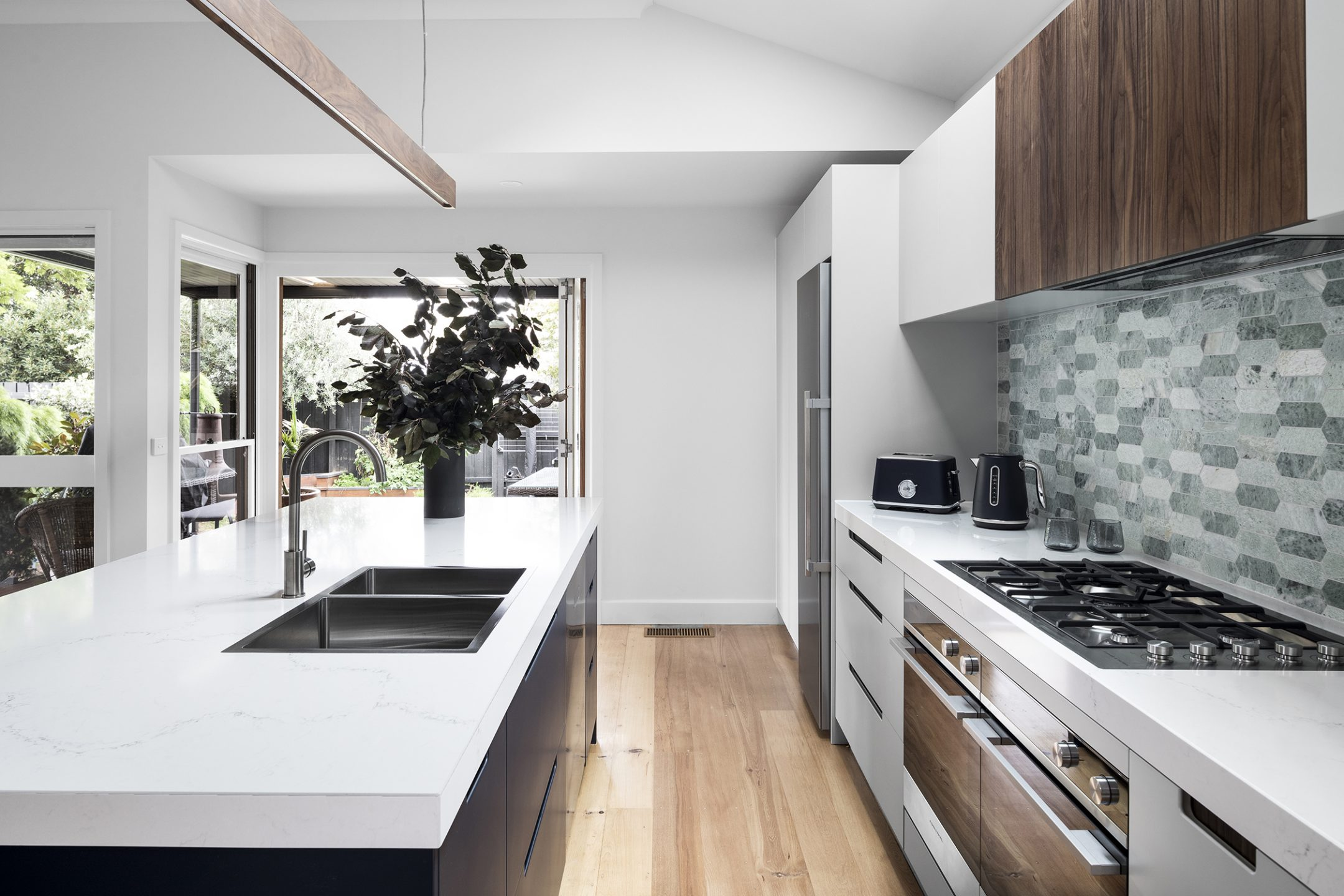 Kitchen Renovations Melbourne & VIC | On Time, On Budget ...